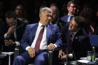 Рустам Минниханов — чиновникам на встрече с предпринимателями: «Зачем три раза в квартал отчитываться? У вас нет времени читать эти отчеты!»
