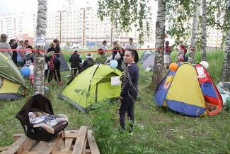 Протест на траве в «Салават Купере»: «Когда достроят наши дома?»