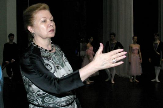Марина Леонова: Наших мальчиков все время пытаются забрать в армию