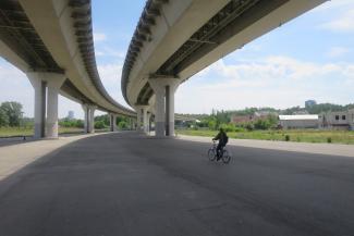 Серость — это по-нашему: в Казани перед ЧМ уничтожили все граффити под мостом «Миллениум»