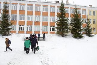 «Они уже драться начали: «Мы тяпляповские!», «Мы борисковские!»: родители в Казани снова бунтуют против слияния школ