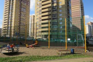 «Ты с какого дома будешь?»: спортивная площадка в казанском дворе разделила детей на «своих» и «чужих»