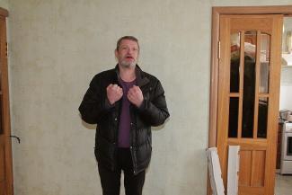 Власти грабят, мародеры грабят... Последние жильцы Мергасовского дома в центре Казани продолжают держать оборону