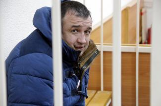 Казанский адвокат, которому гражданка США отдала полмиллиона на взятку, перед отправкой в СИЗО пообещал сдать получателей