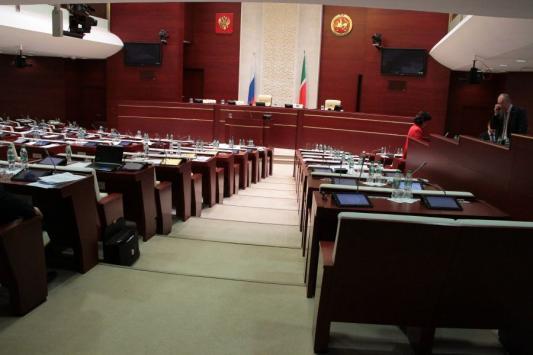 В целях борьбы с коррупцией в мэрии Казани - усилить борьбу с разводами