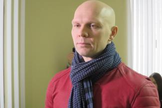 В Татарстане должник, угрожавший с ножом в руках «положить» судебных приставов, отделался условным сроком