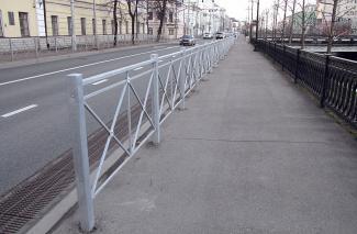 Страшно безопасно: казанцев возмутили новые заборы на Булаке