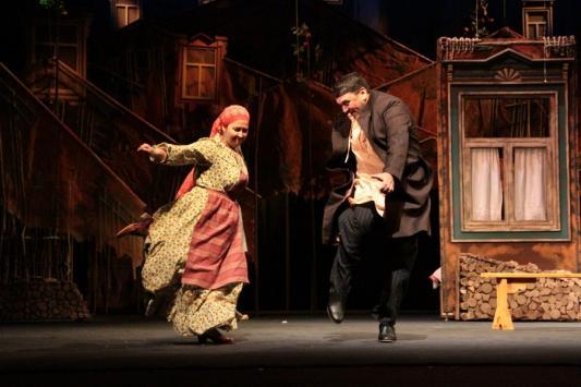 Премьера в Камаловском: на сцене стреляют, в зале кричат