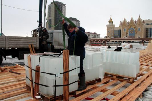 Ледовый городок у театра кукол «Экият» оказался под угрозой