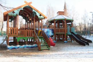 Приказано уничтожить: детская площадка в казанском парке понравилась жителям, но не понравилась чиновникам