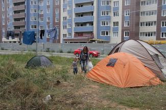 Соципотечники «Салават Купере» снова живут в палатках: «ПСО «Казань» в Самаре стадион строило, а у нас стройка стояла»
