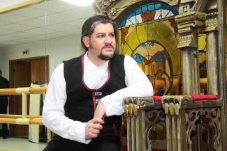 Эвез Абдулла: «Современная опера – это фитнес»
