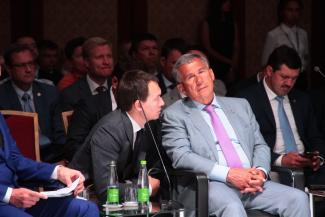 Рустам Минниханов предпочел навоз продукту жизнедеятельности законодателей