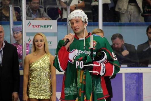 Экс-капитан «Ак Барса» Алексей Морозов: «Буду ли вешать коньки? Емелин подарил золотой гвоздь – теперь придется»