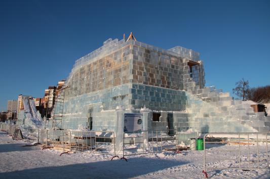 Миллионы за не построенный к празднику ледовый городок у «Экията» не вернут