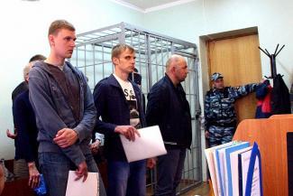 В Казани амнистировали гаишника, который помогал «чёрным автодилерам» продавать краденые машины