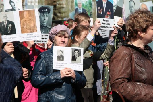 «Бессмертный полк» в Казани: память сильнее времени
