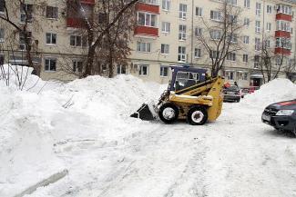 Вывоз снега из казанских дворов аукнется жильцам
