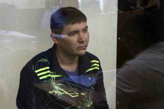 Тесть — в «Тукаевских», брат — в УСБ?.. Бывшего борца с оргпреступностью из МВД по РТ отправили в СИЗО