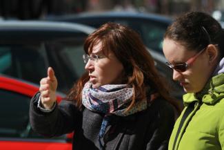 Добрая Казань: суд не дал городским чиновникам получить с матери незрячей студентки штрафы за неоплату парковок