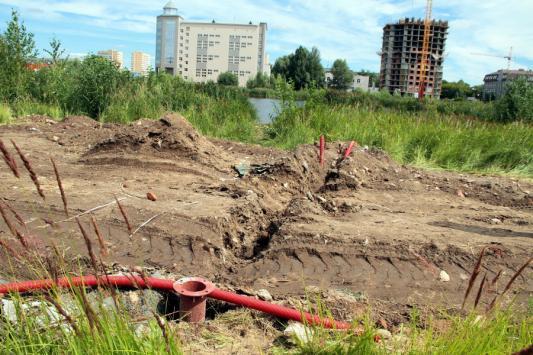 Работы на озере Харовом приостановили из-за отсутствия денег