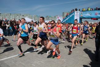 Участники Казанского марафона пили из фонтанов