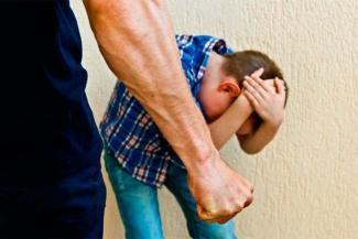 «Попробуй своего ребенка ремнем шлепнуть - запросто и посадить могут!»: в Татарстане входят в систему мягкие приговоры за нападения на чужих детей