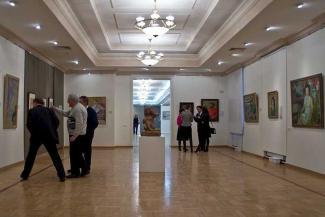 Казанский музей ИЗО готов дружить за деньги