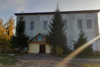 Лучше старая школа, чем закрытая: в Татарстане родители сельских школьников боятся, что детей выгонят из помещичьего особняка
