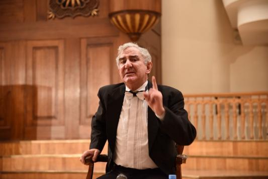 Михаил Казиник: «Социум должен затушевать в человеке Гитлера и выявить Леонардо»