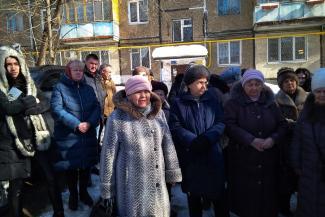 Жильцы казанской пятиэтажки, которые второй год живут без горячей воды, требуют вернуть им газовые колонки