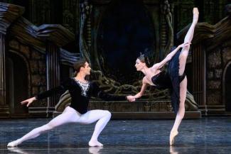 Супероднофамилец, Лебедь-царица и настоящие поцелуи: в Казани завершается Нуриевский праздник балета