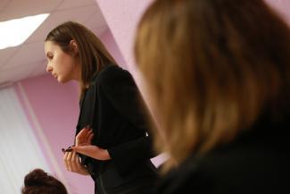 «Она с удовольствием вцепилась мне в волосы»: суд в Казани разбирается в деталях драки между мамой «особенного» ребенка и аспиранткой КФУ на кассе в «Икее»