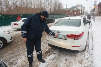 «Уже и до Сибгата Хакима докатилось, как раковая опухоль расползается!»: казанские власти не могут совладать с халявщиками на платных парковках