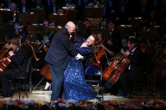 «Смейся, паяц, над разбитой любовью!»: на сцене казанской оперы закипели итальянские страсти
