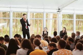 «Товарищ Максим» и другие: студенты КФУ начали показывать зубы руководству вуза
