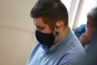 «Пьяный в хлам, в машине - музыка, девочки»: в Казани судят бывшего следователя, угробившего в аварии 17-летнюю студентку