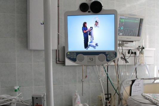 Малышам поможет робот-доктор