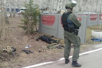Взбесившийся инструктор по стрельбе устроил на базе силовиков в Казани войну с гранатами и автоматом