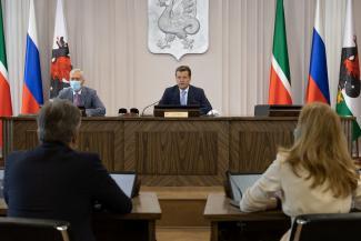 Казанским велосипедистам пообещали дорожки, жителям «Салават Купере» - парк, а на капремонт школ денег не нашлось