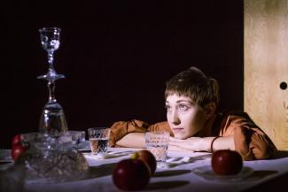 Яйца, водка и хрусталь: в Казани устраивают «сталинское» застолье
