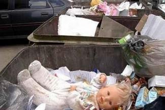 В Татарстане детей все чаще находят на помойках