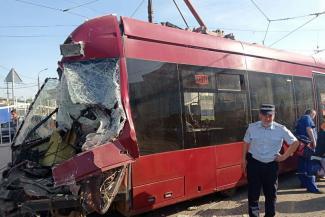 «Сколько можно покрывать неэффективного руководителя!»: непотопляемого Асфана Галявова лишат премии после очередной аварии с трамваями