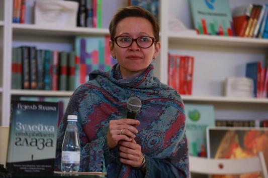 Победительница «Большой книги» Гузель Яхина: «Я бы хотела, чтобы меня называли казанской писательницей»