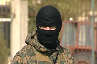 «Люди в масках уложили меня лицом вниз»: в Казани лжеомоновцев обвиняют в похищении человека, а они говорят, что это был розыгрыш