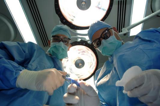 Пластические хирурги в Казани, уменьшив пациентке желудок, отправили ее на тот свет?