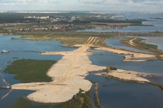 «Мы хотим спасти Волгу, а они — построить развлекательные центры»: экологи и чиновники бьются за намытые ПСО «Казань» острова в Займище