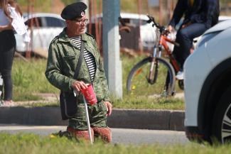 «Попрошаек на дорогах больше, чем гаишников»: «морпехи» и «десантники» на костылях оккупировали казанские перекрестки