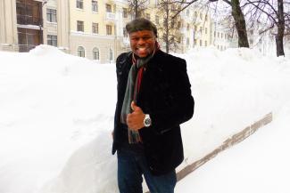 Русский борщ и вишневая настойка помогают солистам Шаляпинского пережить снежный плен в Казани