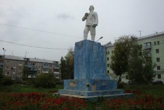 Казанские власти просят подать на бронзовый памятник Орджоникидзе